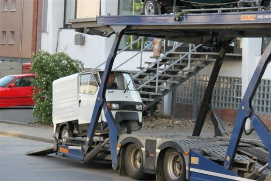 Ein Autotransporter wird zum Ape Transporter 008