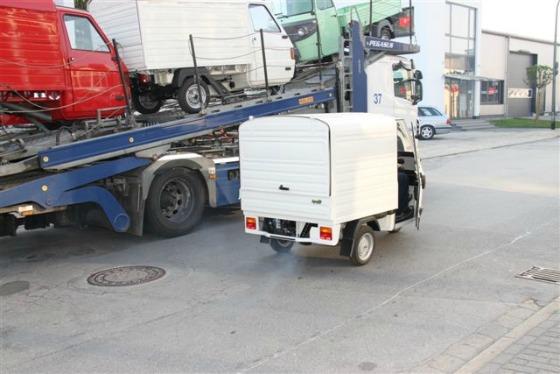 Ein Autotransporter wird zum Ape Transporter 007