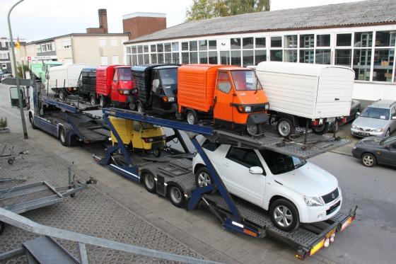 Eine LKW-Ladung Ape Transporter für das Motodrom Essen 002