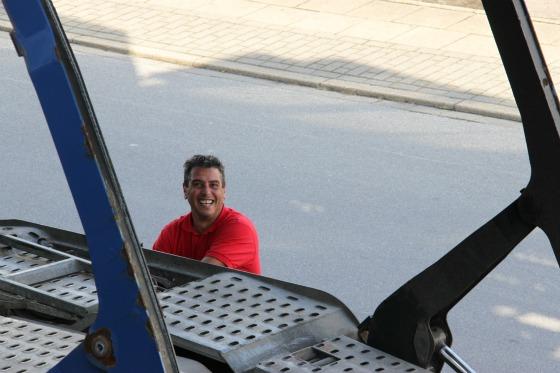 Eine LKW-Ladung Ape Transporter für das Motodrom Essen 003