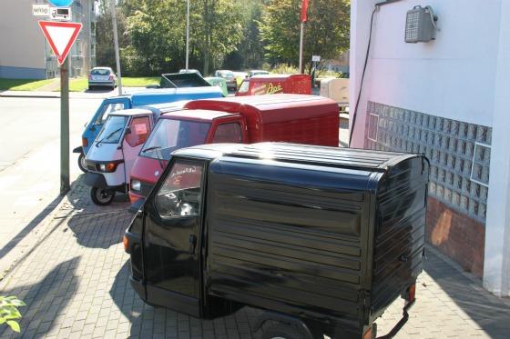 Eine LKW-Ladung Ape Transporter für das Motodrom Essen 008